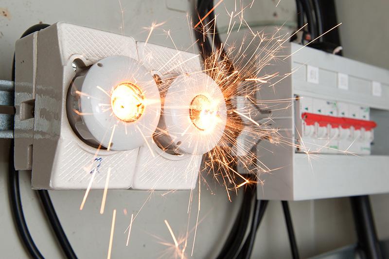 Вы можете потерять ваш шикарный ремонт при первом же замыкании электропроводки