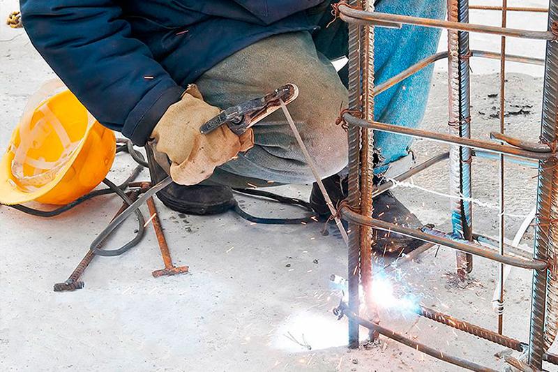 Как скрепляют стержни арматуры