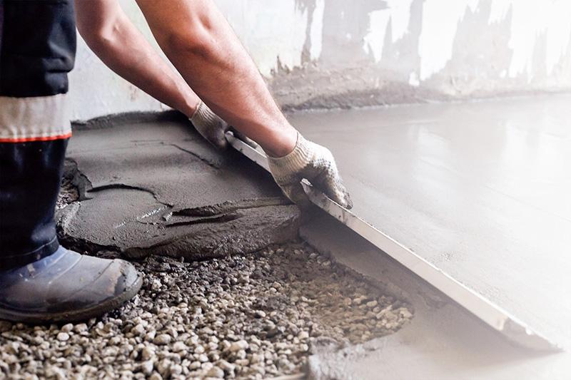 Для стяжки на полах используют речной песок со средней фракцией