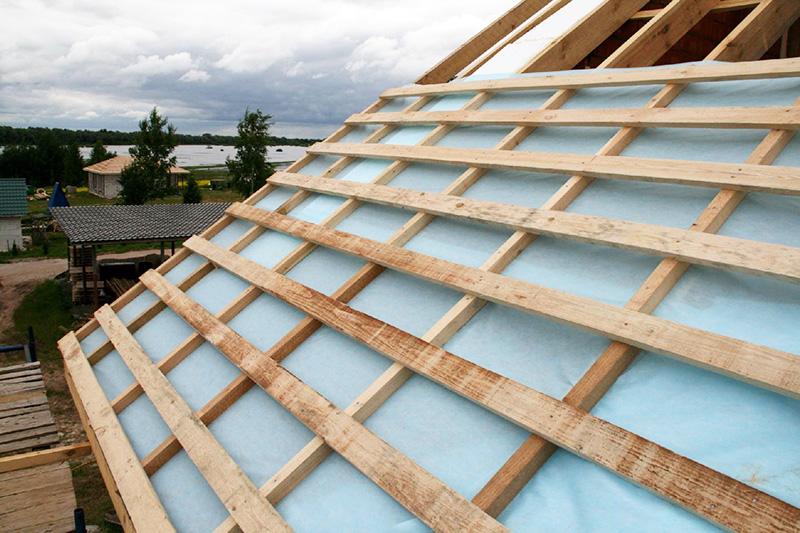 Сэкономите на контре и толщине обрешётки с 25 на 20 мм, и ваша крыша прослужит очень недолго. А застройщики на продажу делают именно так