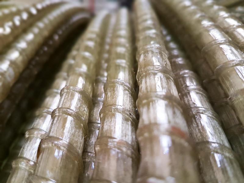 И ещё – полимерная арматура не подвержена коррозии, как стальная, в такой агрессивной среде, как бетон