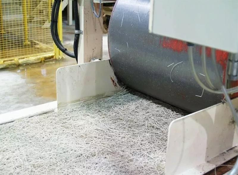Иногда производители заменяют жидкое стекло каустическим магнезитом – плиты получаются настолько экологичными, что аналогов им просто не найти