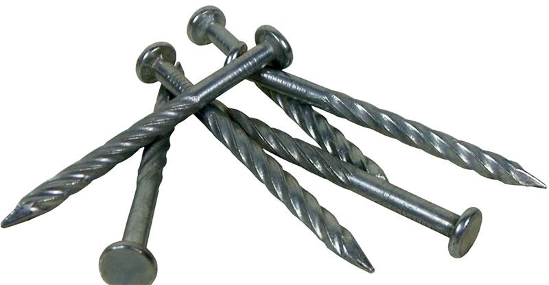 Винтовые гвозди используют, когда нужно получить особо прочную конструкцию, которая будет подвергаться механическому воздействию
