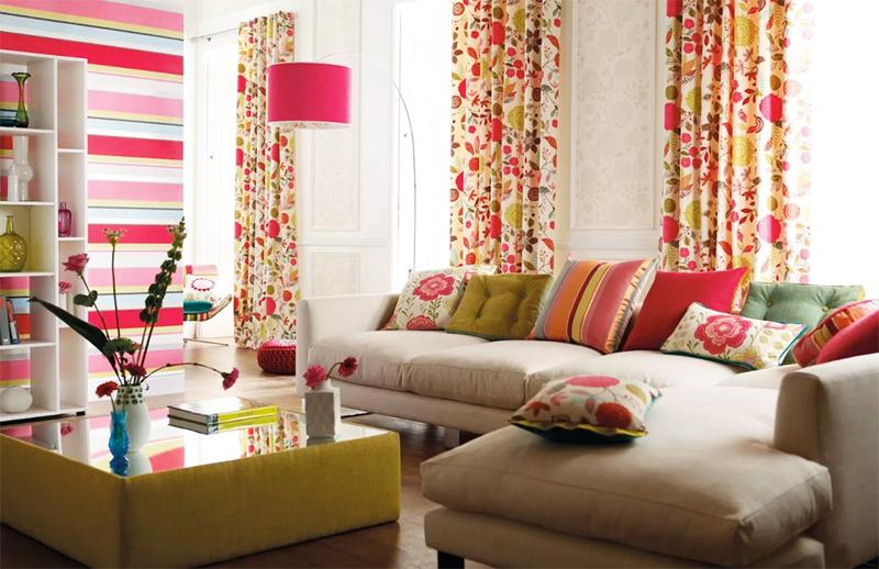 Если подобрать текстиль в одном цветовом направлении, получится очень стильно