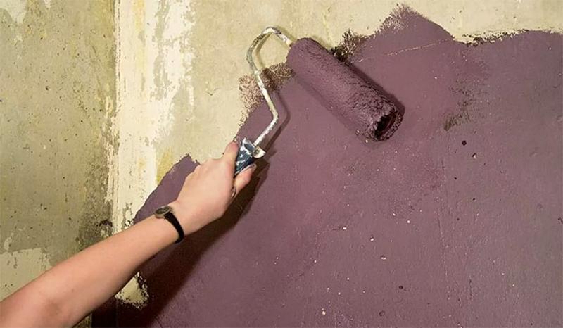 В работе с бетоном тоже важна подготовка поверхности и обработка её грунтом