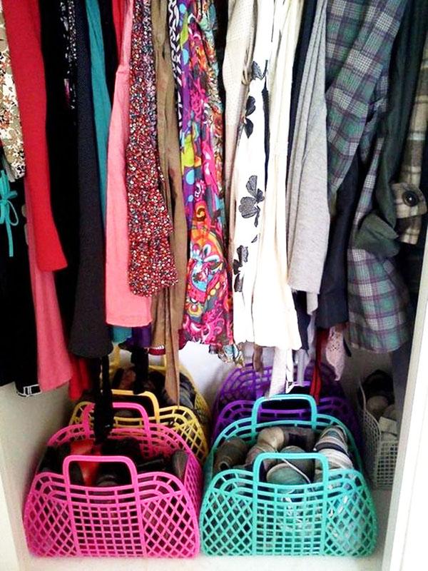 Хранение в шкафу в сумках