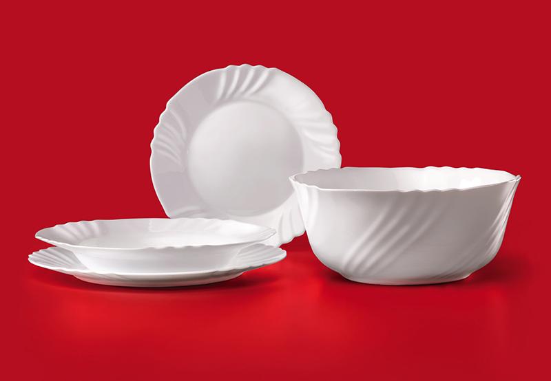 Тарелки из опалового стекла моются легко, к ним практически не прилипает пища, и выглядят они просто шикарно