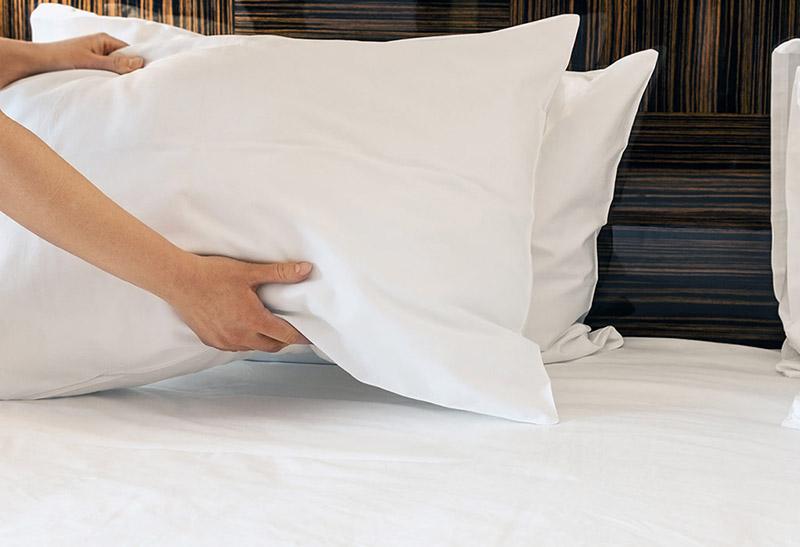 Как ухаживать за перьевой подушкой