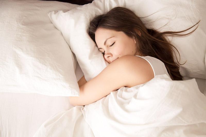 А если вы выложите перьевую подушку на мороз, то в эту ночь будете спать по-королевски, потому что такую свежесть не купишь за деньги