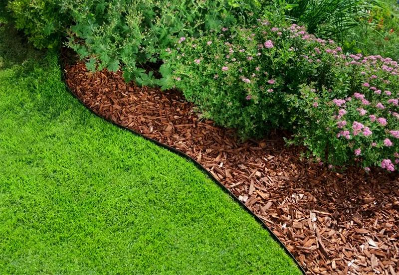 Не годится для питания растений мульча из свежих опилок и коры деревьев