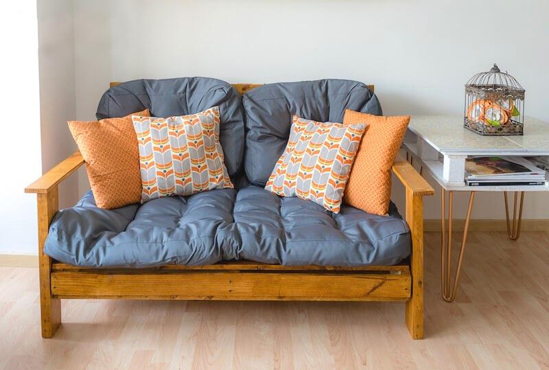 Самодельные кресла, диваны и кровати: из чего их можно сделать