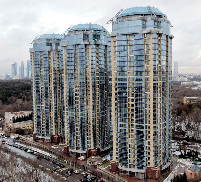 Все квартиры расположены в высотных домах в самом центре Москвы