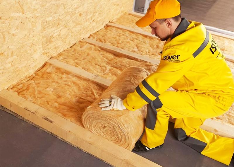 Чем утеплить деревянный пол в частном доме