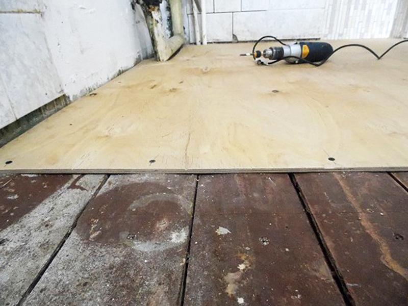 Настилка фанеры на деревянный пол