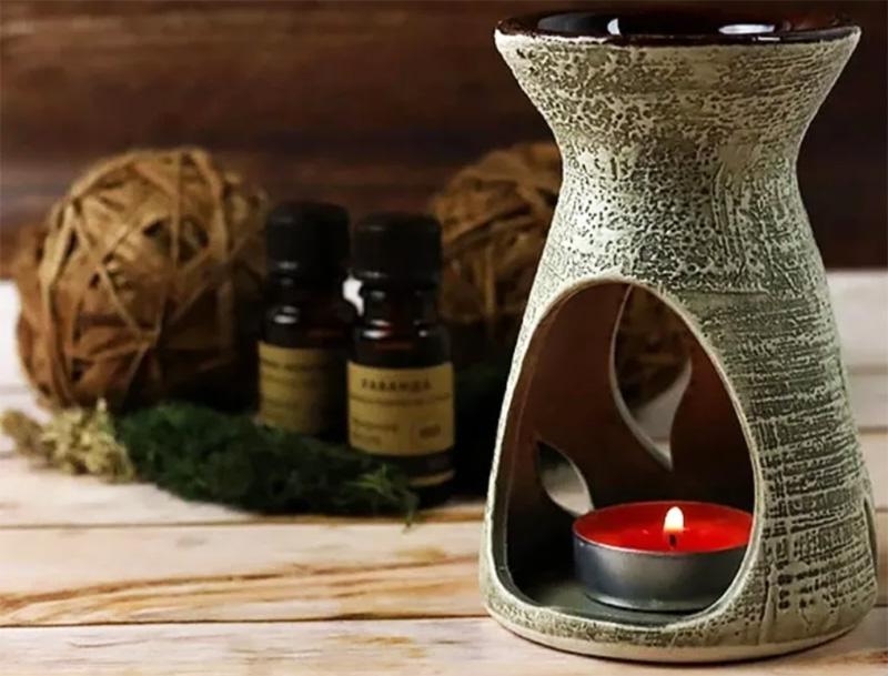 Важно следить, чтобы дети или домашние питомцы не имели доступа к этому источнику аромата